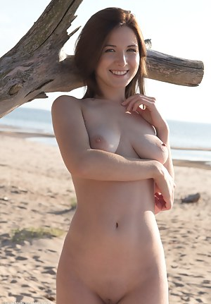 Girls Beach Porn Pictures