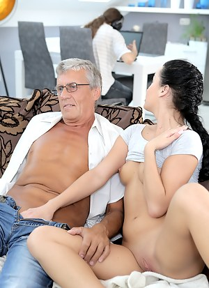 Girls Cuckold Porn Pictures